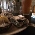 Monday equals free oysters! Hell yes!