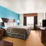 Photo de Days Inn & Suites Conroe North