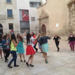 Dancing at Mon Cafe