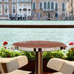 Table for two -  Riva Lounge