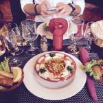 Houmous pignons de pin, rekakat fromage et falafel... Un régal