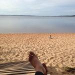 Piscina y lago