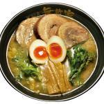 人気NO1 厚切り炙りチャーシュー入り「肉玉麺」