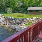 Boulder Adventure Lodge