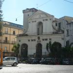 La chiesa fuori dall'hotel