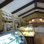 Inside the Delishop