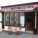 Sheila's Food Emporium Foto