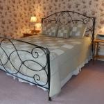 Hillsdale House Inn King Guestroom