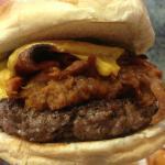 Carolina Burger (Pulled Pork, Bacon and Cheese)