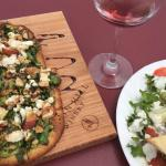 flatbread pizza and salad at Blue Heron Cafe