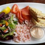 The fabulous smoked salmon and prawn starter - yummy!