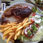 Das Essen war schön serviert und hat sehr gut geschmeckt. Für diesen Preis hätten wir keine solc