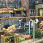 Roots Organic Juice Cafe Foto