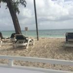 отдельный VIP-пляж для жильцов Juniour Suite