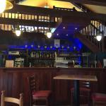 La salle côté bar... personne à l'horizon