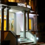 Hotel entrance (138774491)