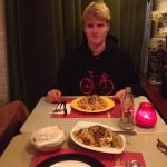 Meu filho Jonathan e seu prato