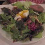 Salade à la lyonnaise