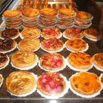 Different fruit and rice tartlets