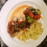 Filet de Lou avec sa fricassée de tomate au basilic frais tagliatelle fraîche et petit légume co