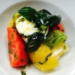 Entrées thon rouge cru / burratina et tomates à l'ancienne  Plats aïoli de merlu/ carpaccio d'a