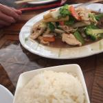 Stir fried vegetables w/chicken