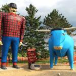 ‪Paul Bunyan and Babe the Blue Ox‬