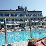 L'hotel visto dal lato piscina