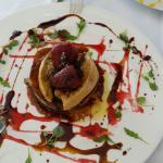 Torrija con foie y mermelada de fresa