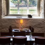 Breakfast room / restaurant interior