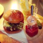 Queens classic burger