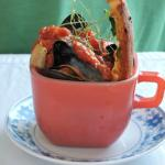 Mussels in tomato and onions