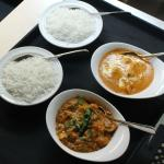 curries with rice, ready to service