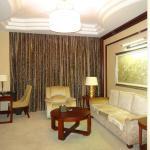 Separate sitting room