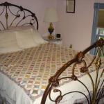 Joe's Room/Room 8: The bed was very comfy. Great night's sleep!