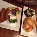 Pork croquettes och garlic bread with sides