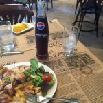 Amazing chicken souvlaki! Great white Taramas.. Great service. Perfect dinner