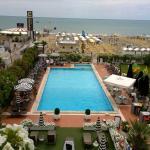vista dall'hotel.... la piscina