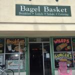 Фотография Bagel Basket Cafe