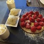 Tarte aux fraises pour 2 et bar grillé