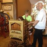 Hands on organ grinding!