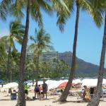 Waikiki Beach looking towards Diamondhead Volcano