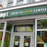 Foto de Chopt Creative Salad Company