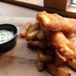 Excellent fish & chips with tartar sauce!!!