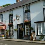 The White Horse Inn, Dining