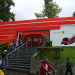 Loja da Ferrari no circuito.