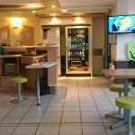 Espace accueil et restaurant du petit déjeuner