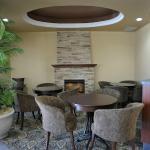 Scarpaccio's Lounge