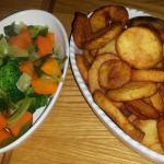 Mixed veg and sautéed potatoes