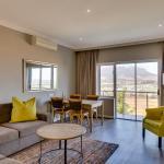 Deluxe Room Living Area